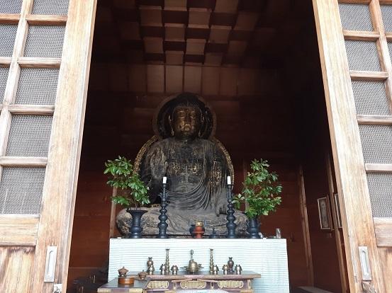 真長寺の釈迦如来坐像