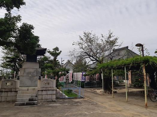 大喜寺の境内