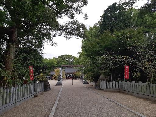 富部神社の境内