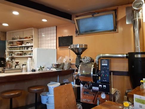 なつめコーヒーの店内焙煎機